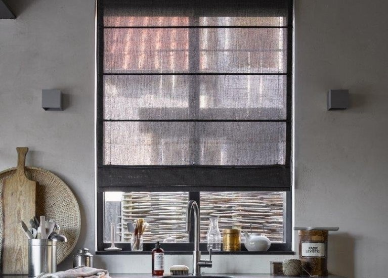 S over raamdecoratie mrwoon