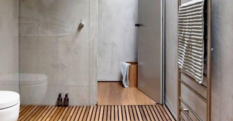 Zo creëer je een houtlook in de badkamer mrwoon