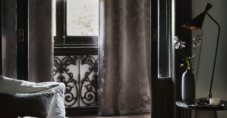 Rolgordijnen Slaapkamer 19 : Instant elegantie zwierende gordijnen in je slaapkamer mrwoon