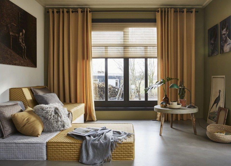 Gordijnen in de kleur van de wand een goed idee mrwoon for Overgordijnen woonkamer