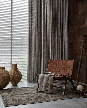 Jaloezie n voor elk raam mrwoon for Houten decoratie voor raam
