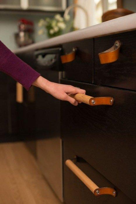 Keukenlade Handgrepen : Leren interieurdetails in je keuken Mrwoon
